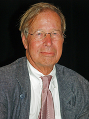 English: Ronald Dworkin at the 2008 Brooklyn Book Festival in New York City. The photographer dedicates this image to his friend Frank, Cool Hand Luke on Wikipedia, in hopes that he will read more Dworkin and be influenced by him!