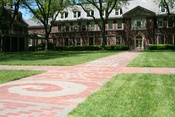 English: The Senior Path, Grubbs Quadrangle, The Loomis Chaffee School, Windsor, Conn.