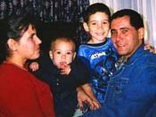 English: This is a picture of Elián González with his father and family members that was taken a few hours after their reunion at Andrews Air Force Base on April 22nd, 2000. It is described as