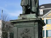 English: Ludwig van Beethoven statue, by Ernst Hähnel, Münsterplatz, Bonn/Germany Deutsch: Ludwig van Beethoven Denkmal, Bonn, Münsterplatz
