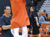 English: Andy Rautins during pre-game warmups before a game on 2009-12-22