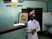 English: Waiter with turban in Coffee House, Bangalore, India.
