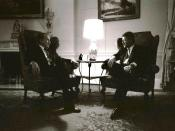 English: Former President Richard Nixon visits with President Bill Clinton in the family quarters of the White House, March 8, 1993.