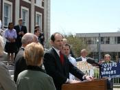 English: New York State Governor Eliot Spitzer held a news conference in Schenectady to discuss impediments to the passage of campaign finance reform. April 24, 2007