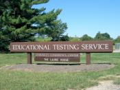 English: Welcome sign at the entrance to the headquarters complex of the Educational Testing Service in Lawrence Township on Rosedale Road.