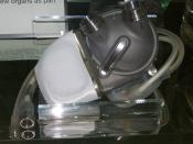 English: An image of an artificial heart exhibited at London science museum