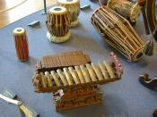 Some ethnic percussion instruments Français : Des instruments de percussion ethniques