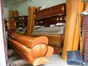 English: A coffin shop in Macau. Located a few blocks north of downtown