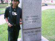 Me beside Sigmund Freud Park sign
