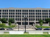 English: The Frances Perkins Building located at 200 Constitution Avenue, N.W., in the Capitol Hill neighborhood of Washington, D.C. Built in 1975, the modernist office building serves as headquarters of the United States Department of Labor.