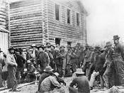 Miners wait to register their claim, Dawson 1898