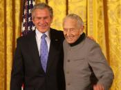 Painter Andrew Wyeth receiving the National Medal of Arts from US President George W. Bush (cropped).