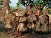 English: 9–10-year-old boys of the Yao tribe in Malawi participating in circumcision and initiation rites. Français : Jeunes garçons âgés de 9 à 10 ans de la tribu Yao en Malawi participants à des rîtes d'initiation et de circoncision.