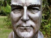 English: Bust of twelfth Prime Minister of Australia en:Robert Menzies by sculptor Wallace Anderson located in the en:Prime Minister's Avenue in the Ballarat Botanical Gardens. Photo taken by WikiTownsvillian