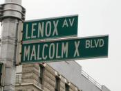 English: A street sign for Malcolm X Boulevard (Lenox Avenue) in Manhattan, New York City.