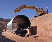 English: Installation of 3.35 meter diameter storm sewer pipe in Mexico.