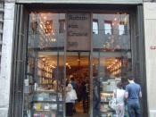 İstiklal Caddesi'ndeki Robinson Crusoe Kitapçısı / Robinson Crusoe Bookstore on İstiklal Avenue