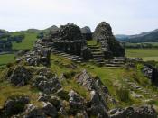 English: The derelict southwest tower of Castell y Bere near Llanfihangel-y-Pennant, Wales. Deutsch: Der verfallene Südwestturm von Castell y Bere bei Llanfihangel-y-Pennant, Wales.