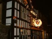 English: The Cholmondeley Arms, Frodsham. Pronounced
