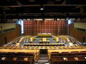 English: The room of the UN Economic and Social Council. The UN headquarters, New York. Architect: Sven Markelius. Norsk (bokmål): Møterommet til FNs økonomiske og sosiale råd. FN-hovedkvarteret i New York