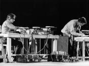 English: Shiraz Art Festival: David Tudor (left) and John Cage performing at the 1971 festival.(Photo courtesy Cunningham Dance Foundation archive)
