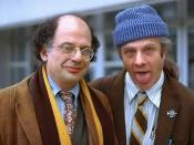 English: Allen Ginsberg with partner Peter Orlovski, Frankfurt Airport, 1978. Deutsch: Allen Ginsberg mit Peter Orlovski, Frankfurt Flughafen, 1978.