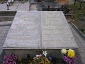 English: Grave of the poet Joseph von Eichendorff in Neiße (Poland) Deutsch: Grab des Dichters Joseph von Eichendorff in Neiße, Polen Polski: Grób niemieckiego poety Josepha von Eichendorffa na Cmentarzu Jerozolimskim w Nysie.