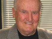 English: LaVell Edwards