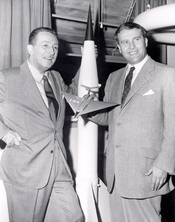 English: Walt Disney, left, and Wernher von Braun, right. Dr. Werhner von Braun, then Chief, Guided Missile Development Operation Division at Army Ballistic Missile Agency (ABMA) in Redstone Arsenal, Alabama, was visited by Walt Disney in 1954. In the 195