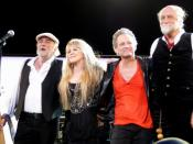 English: FLEETWOOD MAC on March 3, 2009 in St. Paul, MN at the Xcel Energy Center. Left to right: John McVie, Stevie Nicks, Lindsey Buckingham, Mick Fleetwood Photo by Matt Becker, melodicrockconcerts@gmail.com Use without citation is a violation of law.