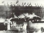 Tranvía en llamas frente al Capitolio Nacional donde se desarrollaba la IX Conferencia Panamericana en el Salon Eliptico del Capitolio Nacional, durante la revuelta conocida como Bogotazo.