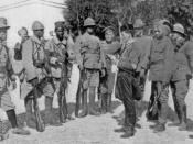 The Entente in Macedonia.From left to right: a soldier from Indochina,a Frenchman,a Senegalese,an Englishman,a Russian,an Italian,a Serb,a Greek and an Indian.