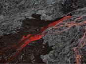 English: Pāhoehoe Lava and ʻAʻā flows at The Big Island of Hawaii. The picture was taken from a helicopter. Français : Coulées de lave Pahoehoe et aa sur l'île d'Hawaii. Photo prise depuis un hélicoptère.