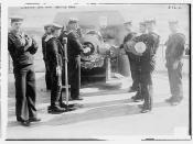 Loading Big Gun, British Navy  (LOC)