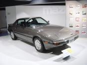 Mazda RX7 1st generation(マツダ・RX-7、Mazda RX-7),Mazda Museum. Polski: Mazda RX-7 pierwszej generacji