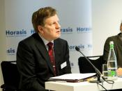 English: Esko Aho, Former Prime Minister of Finland; Executive Vice President, Nokia