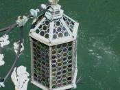 English: 19th century lantern on the main façade of Ca'Foscari looking onto the Grand Canal
