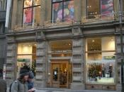 English: United Colors of Benetton store in Na Prikope street, Prague, Czech republic, december 2009. Česky: Prodejna United Colors of Benetton na ulici Na Příkopě v Praze, Česká republika, prosinec 2009.