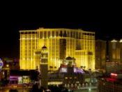 English: Night Panorama of the Las Vegas Strip, featuring Project City Center construction to the right Español: Imagen panorámica de Las Vegas Strip, incluyendo el proyecto CityCenter, actualmente en construcción, a la derecha. Français : Panorama noctur