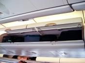 English: Luggage compartments of an Airbus 340-600 aircraft (economy class).