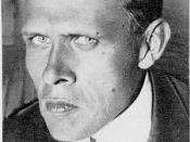 Nederlands: Daniil Charms Daniil Charms is gestorven in 1942 en heeft Rusland nooit verlaten. Deze foto stamt ongetwijfeld uit het Sovjettijdperk, waarin auteursrecht niet bestond tot 1972. En door de wederzijdse werking van het Verdrag van Berne dus ook