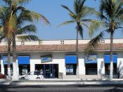 English: A Blockbuster Video rental shop in the city of Puerto Vallarta, Jalisco, Mexico. This particular branch is located on Boulevard Francisco Medina Ascencio near the city's Hotel Zone. Photographed on October 29, 2005 by user Coolcaesar.