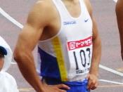 English: Nobuharu Asahara is a Japanese athlete. 日本語: 朝原宣治は日本の陸上選手。