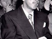 English: Colorado screenwriter and novelist Dalton Trumbo at House Un-American Activities Committee hearings, 1947 Français : Le scénariste et écrivain Dalton Trumbo à la chambre du comité des activités anti-américaines en 1947