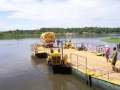 English: This is a photo of a river boat crossing the Nile in Uganda near Murchison Falls National Park. It was taken in 2006.