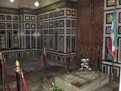 Tomb of the last shah of Iran, Mohammad Reza Pahlavi (1919–1980), located in the Rifa'i Mosque in Cairo, Egypt. Français : Tombe du dernier chah d'Iran Mohammad Reza Pahlavi (1919–1980), située dans la mosquée d'Al-Rifaï dans la ville du Caire, en Égypte.