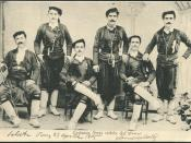 English: Greek Cretans in local costume. COSTUMEs GRECs cretois