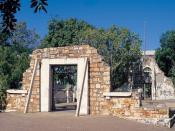 Town hall ruins, Darwin