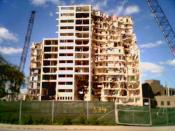 English: Demolition of the Cabrini-Green public housing units in Chicago, Illinois, in September 2006.