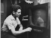 Antonius Franken tuning into his favourite television program... / Antonius Franken se prépare à regarder son émission de télévision préférée...